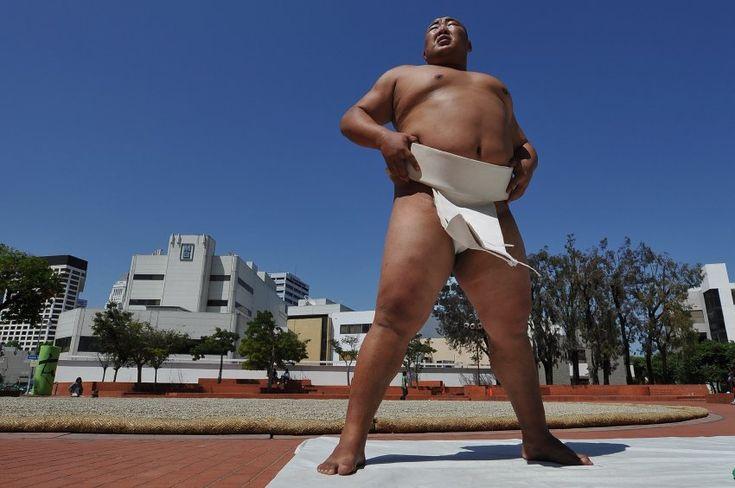 """Spiegel (Germany) - """"Das haut den stärksten Sumo-Ringer um"""" 05.07.12 #labloom #JACCC #sumo #byamba"""