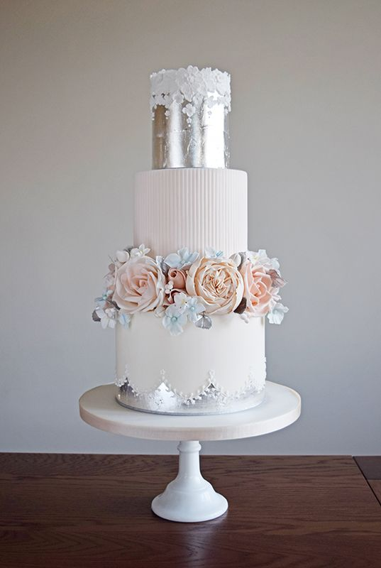 Wedding cake designer offering a luxury bespoke wedding cake service throughout Suffolk & Norfolk, Essex, Cambridgeshire, London and cake decorating classes