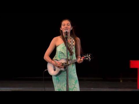 Sonidos de Hawaii | Taimane Gardner | TEDxPuraVidaJoven - YouTube
