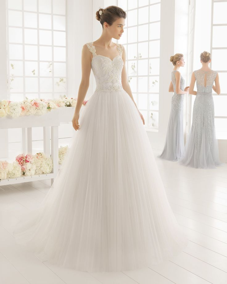 Beaded embroidered tulle wedding dress. Aire Barcelona 2016 Bridal Collection.