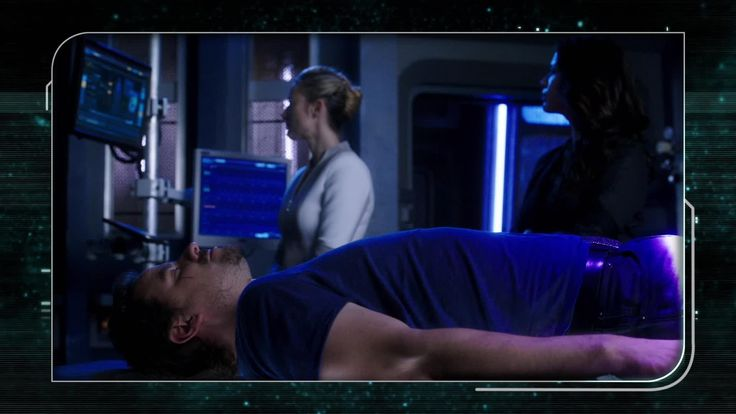Zoie Palmer (The Android) is joined by Two (Melissa O'Neil) and Six (Roger Cross) as they break down everything that happened in Season 3 Episode 3.