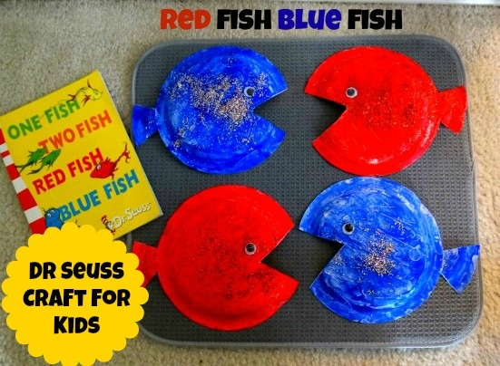 """Dr Seuss craft for kids based on """"One Fish Two Fish Red Fish Blue Fish"""".  #crafts #kids #preschool #drsuess"""