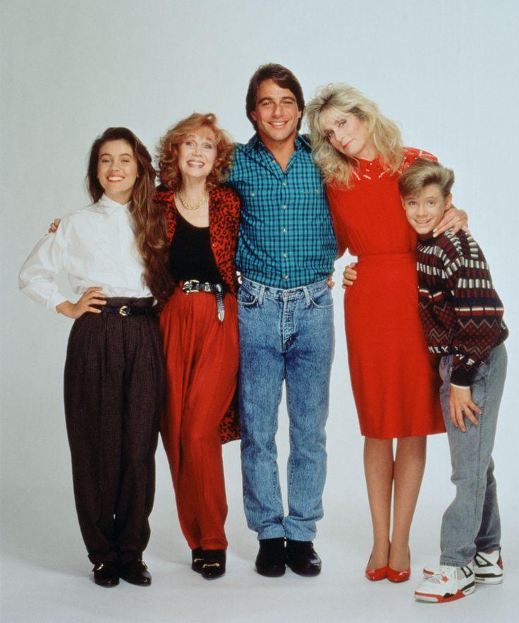 Who's The Boss? (1984 -1992) A TV Land Classic Sitcom starring (from left to right) Alyssa Milano, Katherine Helmond, Tony Danza, Judith Light and Danny Pintauro