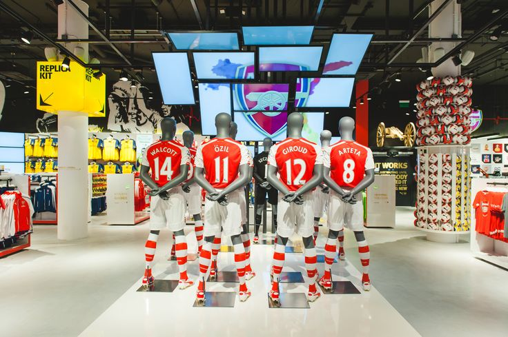 The flagship store of Arsenal London is located at the West side of Emirates Stadium. With Visplay systems the full range of PUMA Kit, PUMA Training Wear, PUMA Fan Wear and Arsenal fashion and merchandise is presented in a modern and sporty look. www.visplay.com/en/references/project/details/arsenal-football-club.html