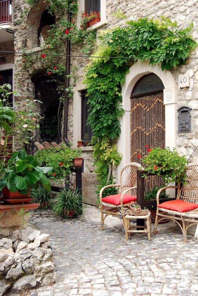 Best 25 Italian Courtyard Ideas On Pinterest Tuscan