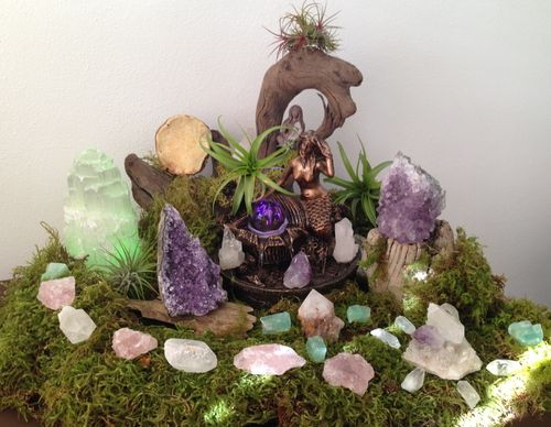 1000 Ideas About Crystal Altar On Pinterest Chakra