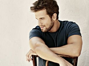 Pablo Alboranis coming to Miami November 15th! I want to see him live in concert! Le Sigh!