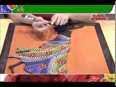 Puntillismo sobre bizcocho cerámico - Rosana Ovejero en Manos a la Obra - YouTube