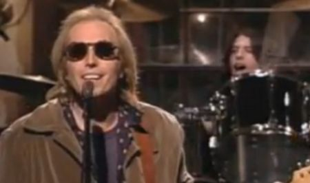 1994 SNL Grohl on drums with Tom Petty