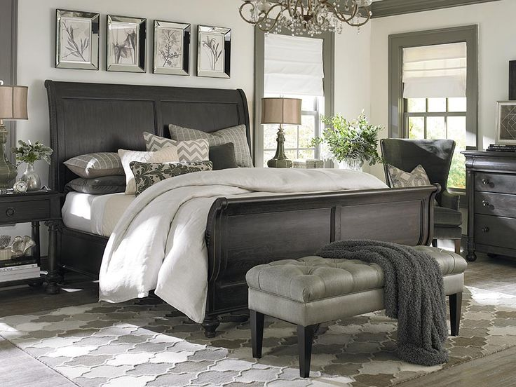 Sleigh Bed with bench at the bottom