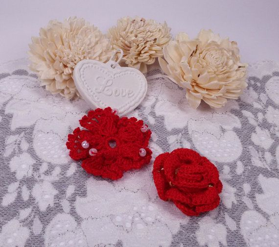 2 red crochet flowers applique rose crochet by Rocreanique on Etsy