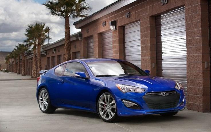 2013 Hyundai Genesis Coupe front rightside