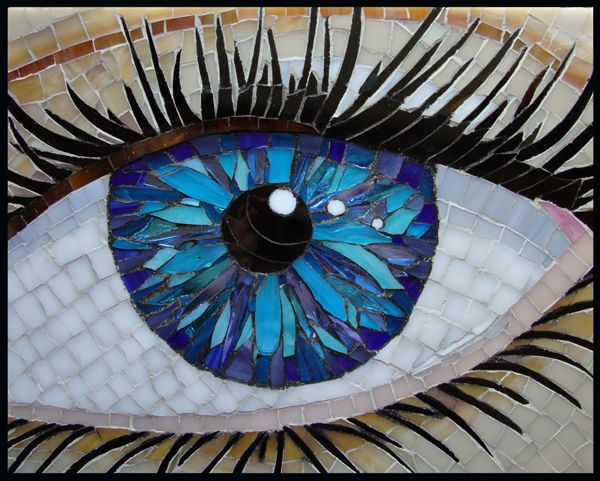 wow.... Amazing eye mosaic. Great piece of art that would be great in any optical boutique.