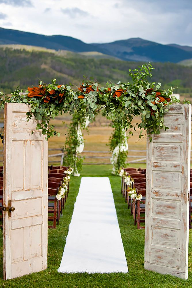24 Fabulous Rustic Old Door Wedding Decoration Ideas ❤ See more: http://www.weddingforward.com/old-door-wedding-decoration-ideas/ #weddings #decoration