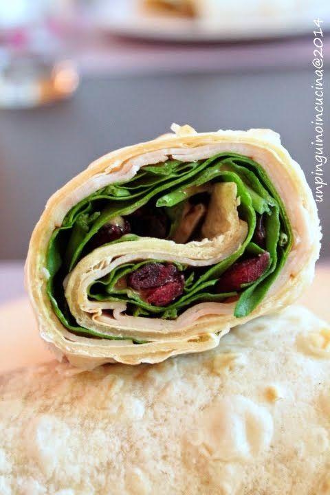 Un pinguino in cucina: Wrap di tacchino, spinaci e cranberries con vinaigrette alla senape - Turkey, Spinach and Cranberry with Mustard Dressing