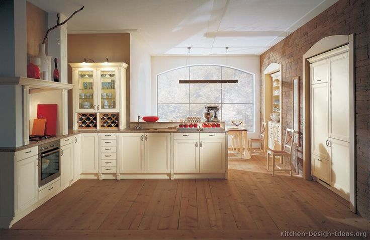 Traditional antique white kitchen cabinets 27 for Antique ivory kitchen cabinets