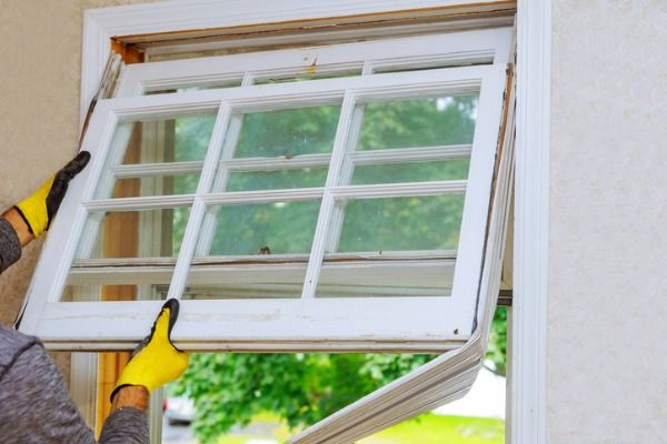 How To Keep Your Sash Windows In Good Condition Knockoffdecor Com In 2020 Home Window Repair Window Replacement Home Window Replacement