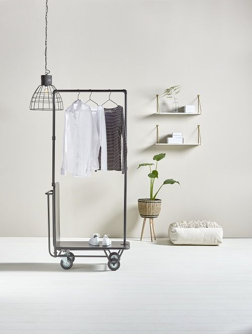 Stoer zwart kledingrek en andere slaapkamer ideeën | Black clothing rack and other bedroom ideas | KARWEI 1-2018