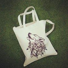 THE WOLF / Designed by LouJah (France) / Made by OneRevolt.com / #에코백 #원리볼트 #디자인 #아티스트 #티셔츠 #늑대 #wolf #캔버스백 #토트백