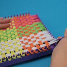 craftprojectideas.com - How to Use A Weaving Loom to Make a Potholder