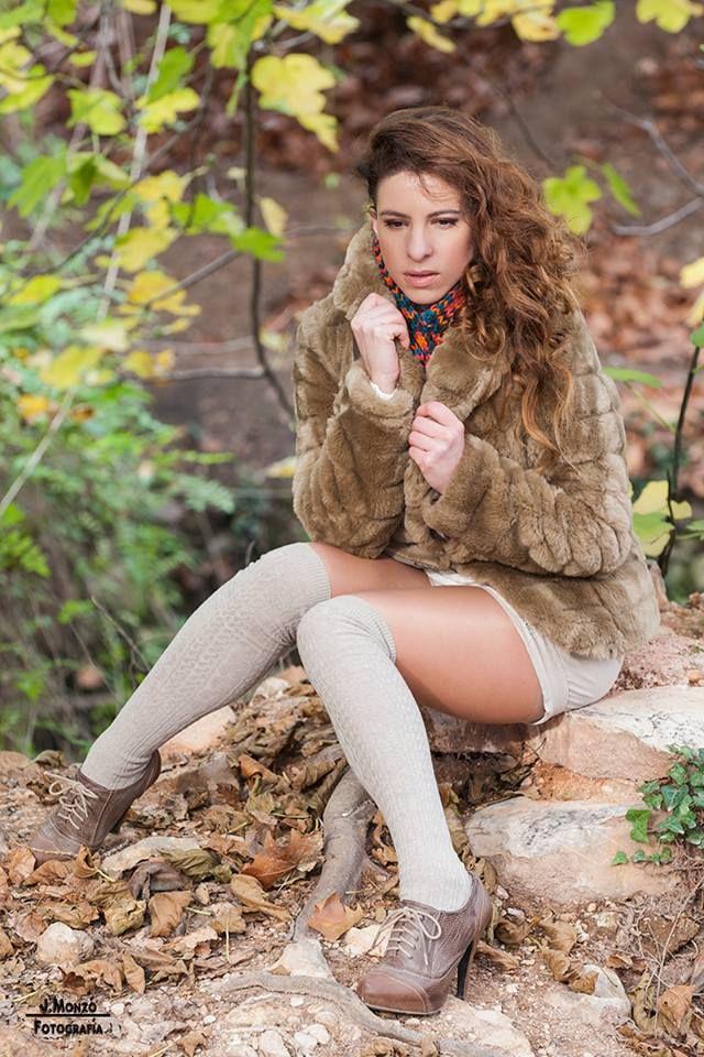 #Otoño #Fall #Autumn #Automne #Herbst #Model #leaves #long #hair #socks #boots #coat #folhas #cabelos longos #meias, #botas #casaco #Modèle #feuilles #les cheveux longs #les chaussettes #bottes #manteau #Modello #lunghezza #dei #capelli #calze #foglir #cappotto autunnale
