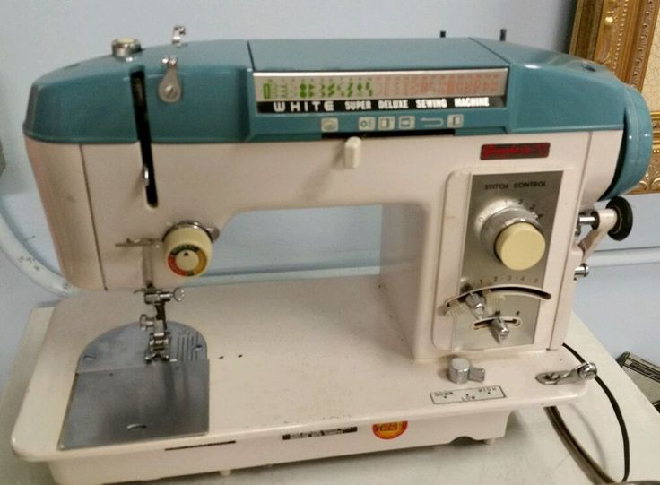 vintage deluxe sewing machine