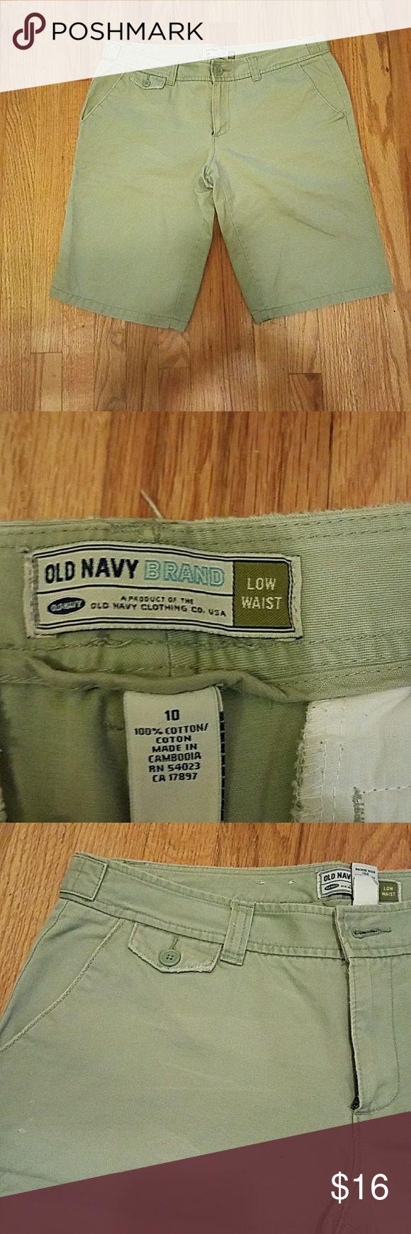 Old Navu bermuda shorts Old Navy, khaki, Bermuda shorts, size 10 Old Navy Shorts Bermudas