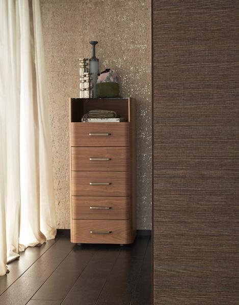 Cassettiera Ermes by #Flou, design by Rodolfo Dordoni.  #bedroom #HomeDecor #BedroomDecor #BedroomFurniture #Furniture #interiordesign #cassettiera