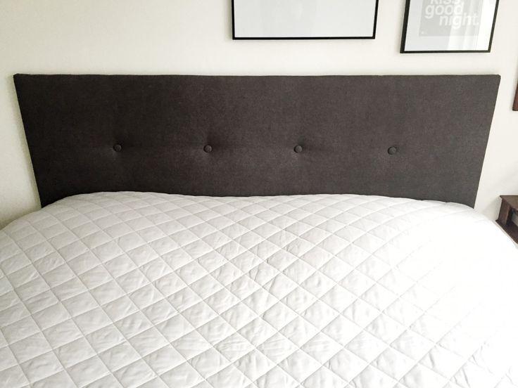 Jeg har lavet den nemmeste og fineste sengegavl. Og det bedste er, at hele projektet har kostet mig under250 kr. Jeg har ikke opfundet den dybe tallerken. For sengegavlen er jo set før. Ret mange steder faktisk! Både som DIY og i butikkerne. Jeg har opgivet at begynde på projektet flere gange, ....
