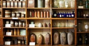 DIY: How To Store & Make Your Own Herbal Remedies MAR 14 •
