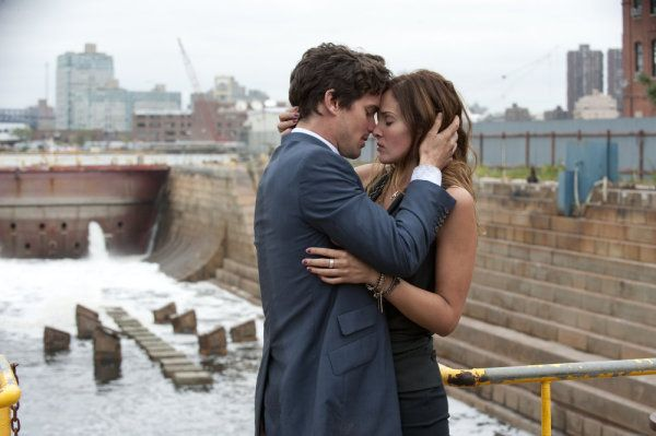 Beautiful chemistry between Matt and Gloria as Neal and Alex in White Collar