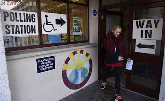Severní Irsko volí parlament. Bezvládí se ale může táhnout i půl roku