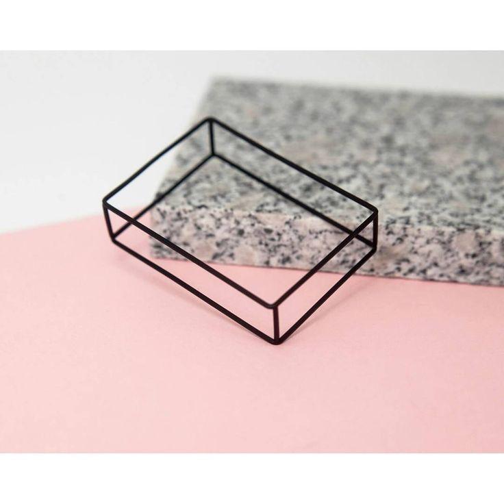 Geometry addicted @mokavejewellery  #minimal #simple #classic #jewelry #minimalstyle #black