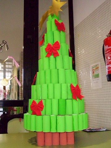 Arbol navidad reciclaje rollos papel