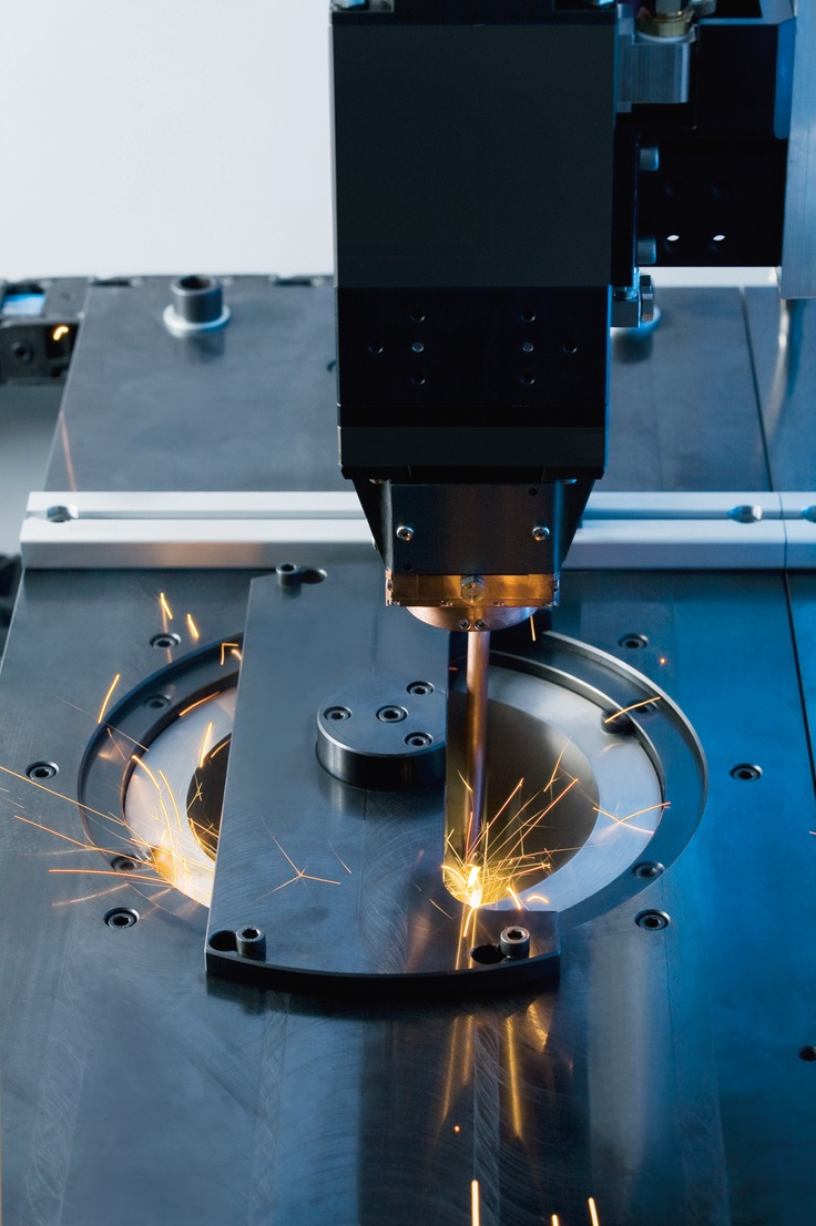EMAG ELC Laser Welding Systems are compact, laser-equipped machine tools that can – on the basis of standardized platforms and machine assemblies – be configured to match component-, customer- and project-specific manufacturing systems.