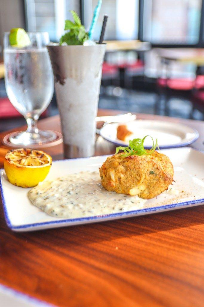 Swizzle Dinner Drinks Downtown Louisville Restaurant Crab Cake In 2020 Dinner Eat Steak Dinner