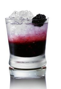 Seductive Swan - blackberries, lemonade and vodka.