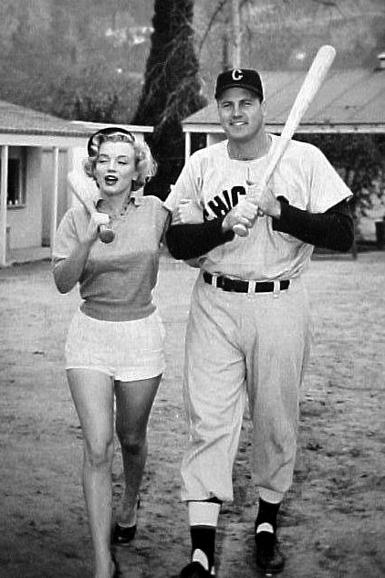 Marilyn Monroe! Photographed at the Chicago White Sox's spring training camp in 1951.