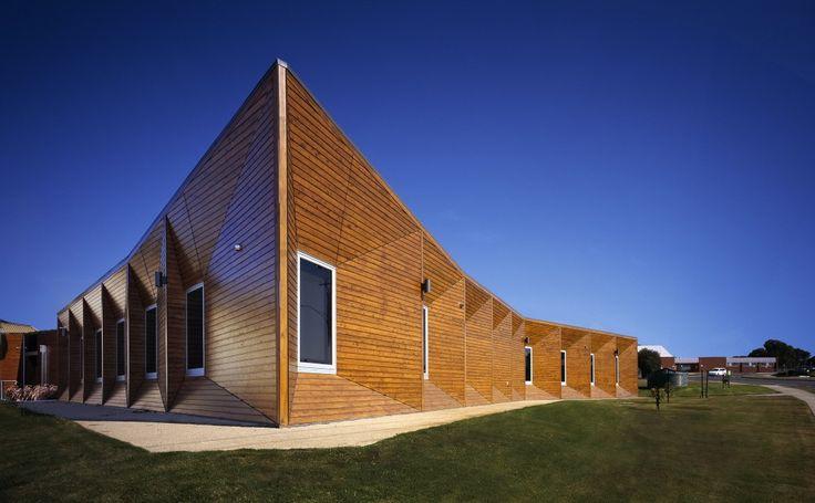 Centro de Rehabilitación en Belmont / Billard Leece Partnership   fachada