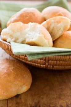 Honduran Coconut Bread. alternate recipe: http://www.food.com/recipe/costa-maya-coconut-bread-164868