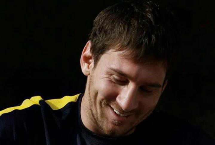 Messi smile.
