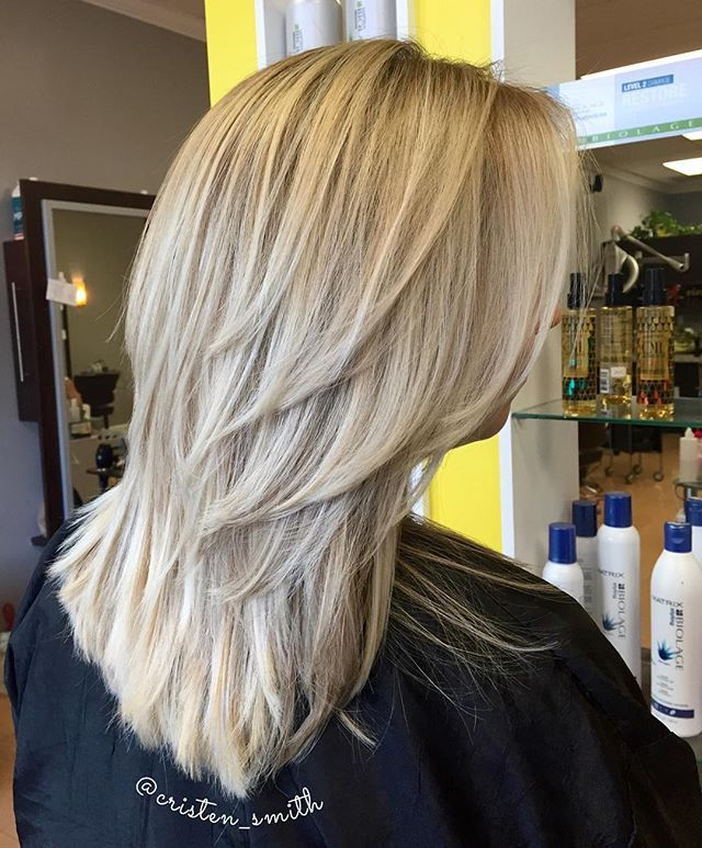 Icy blonde and a fresh layered haircut ❄️ #beautybycristen