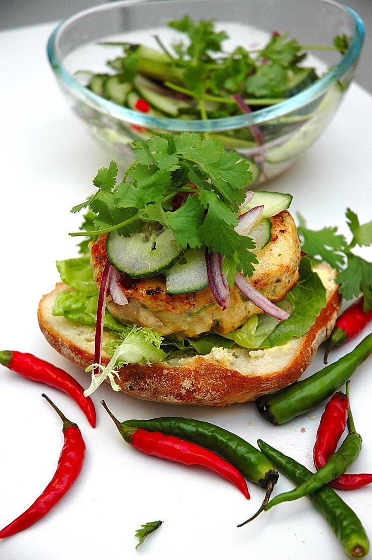 Chicken Burger – let's give it some Thai flavors!!