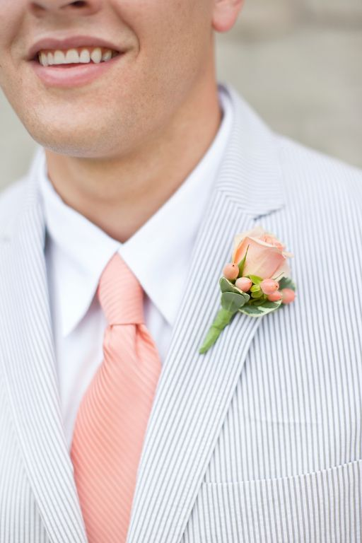 Blue striped suit, salmon pink tie - Glass Jar Photography - #junkydotcom wedding pink salmon bruiloft trouwen roze zalm