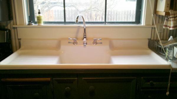 Farmhouse Sink With Backsplash : Farmhouse Drainboard Sink 1910 Farm sink with built-in backsplash ...