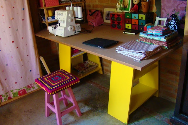 i want!!: Handmade Work, Tables Legs, Crafts Rooms, Color Handmade, Color Desks, Crafts Spaces, Color Work, Work Spaces, Color Crafts