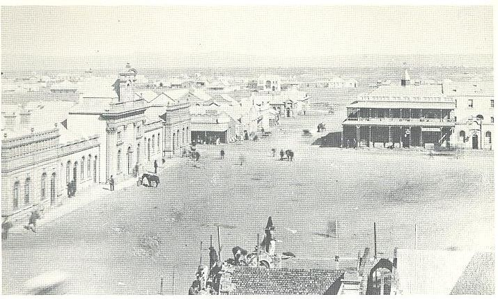 Old post office with full view of market square