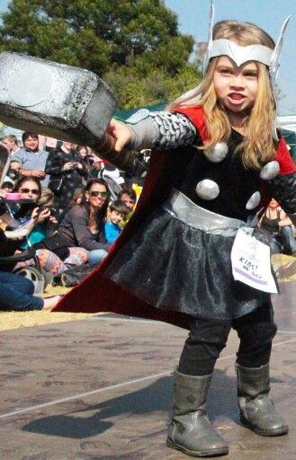 Little cosplayer. Lady Thor