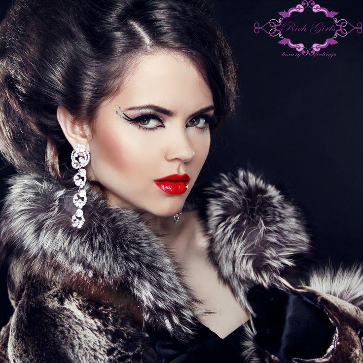 Alege Luxul, alege veniturile colosale, alege Rich Girls! Fii model in cel mai luxos studio si bucura-te de fiecare zi!