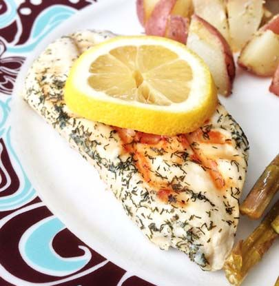 Skinny Lemon Dill Chicken. This is a fantastically easy and equally delicious recipe!